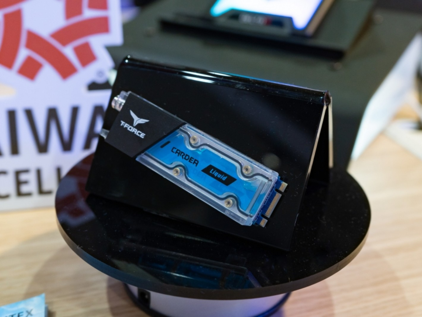 Teamgroup T-Force Delta RGB SSD und CARDEA Liquid M.2 PCIe SSD