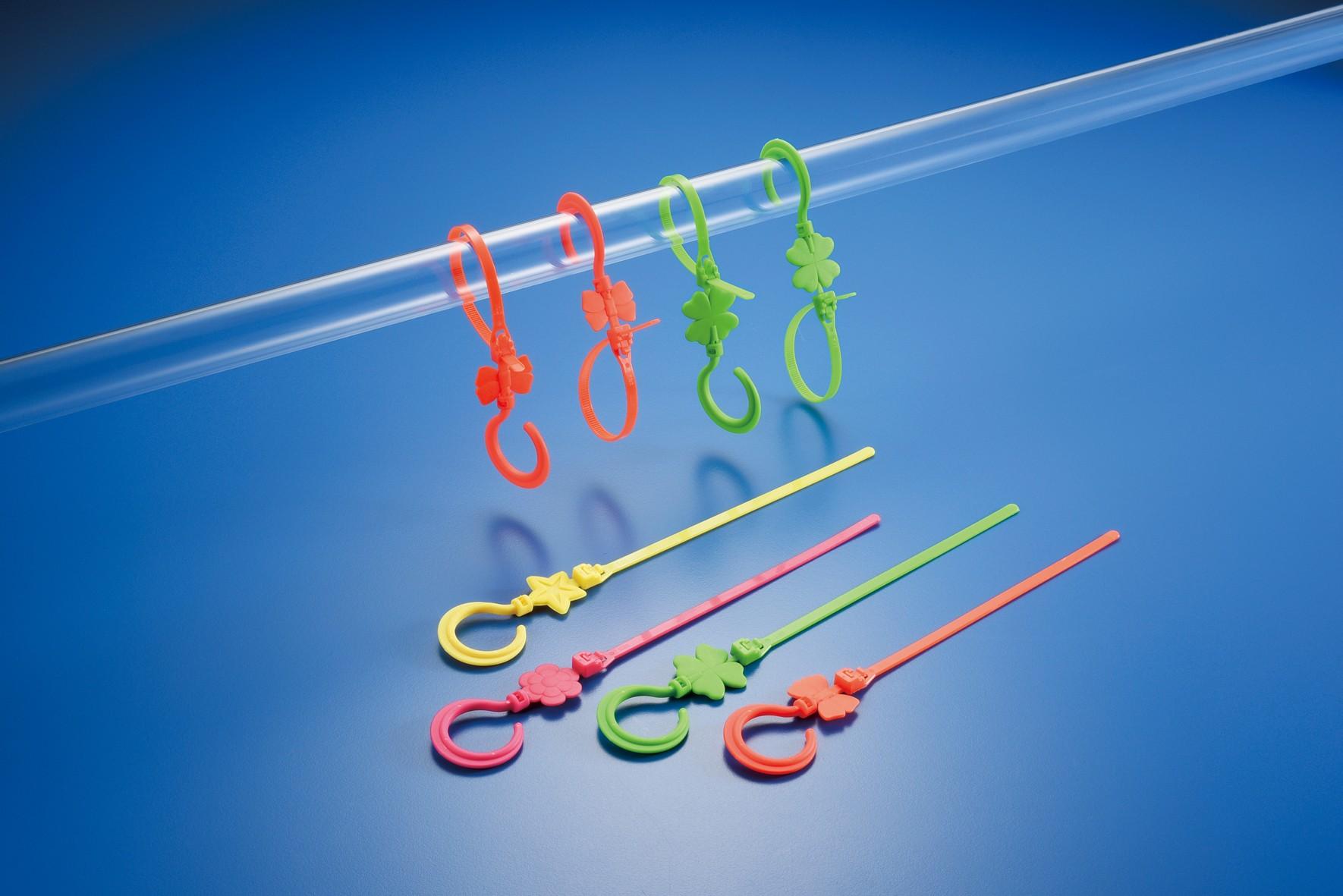Hook tie