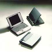 黑白與彩色筆記型電腦 / 艾鉅科技股份有限公司