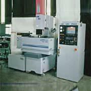 CNC 電腦放電加工機 / 鉅盟機械股份有限公司