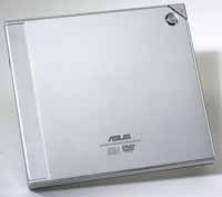 24倍速超薄可攜式複合燒錄機  / 華碩電腦股份有限公司