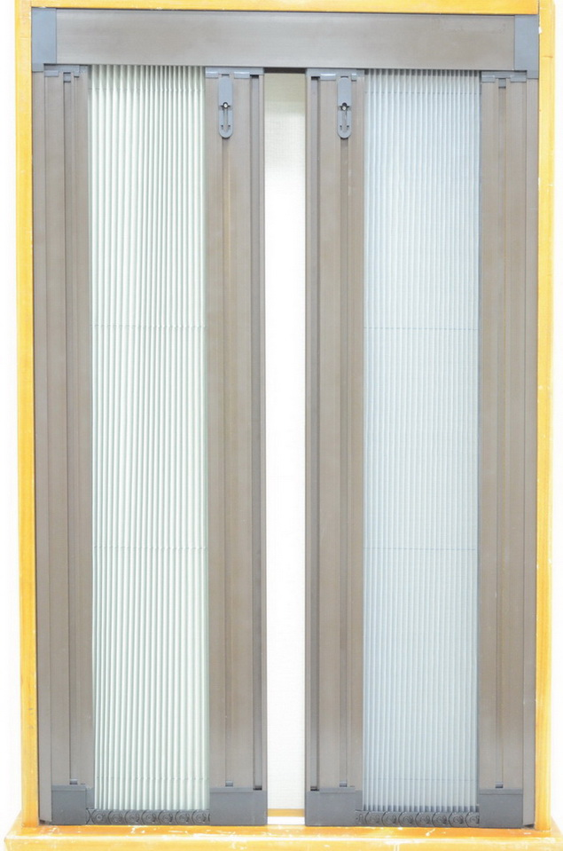 Barrier-Free Interlocked Double Pleated-Mesh Sliding                                        