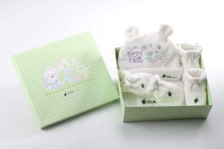 Cute Baby嬰兒禮盒 / 大愛感恩科技股份有限公司