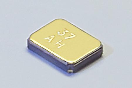 穿帶裝置與物聯網應用之微型化石英元件