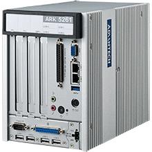 高效能智能無風扇崁入式工業電腦