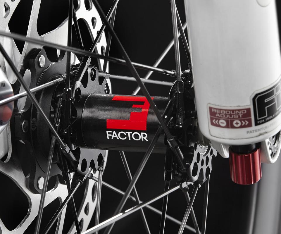 全碳纖維登山車輪組