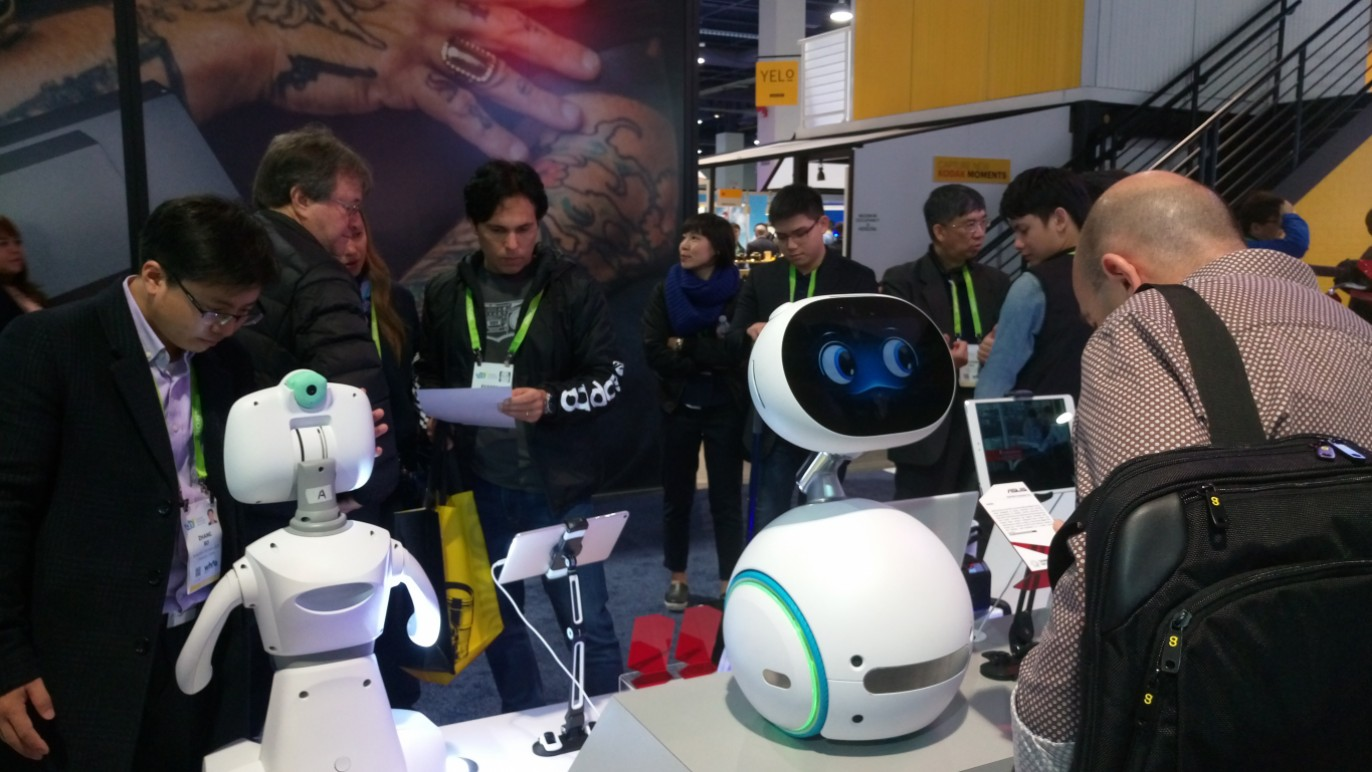 2018 CES AI機器人當道-華碩Zenbo國際買主指定購買