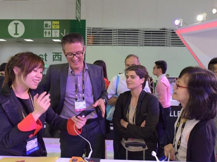 華碩Zenfone手機吸引國際買主體驗