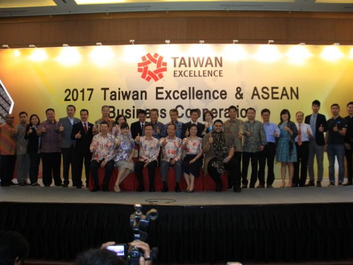新南向市場啟動記者會,政府與品牌企業聯手推廣台灣精品