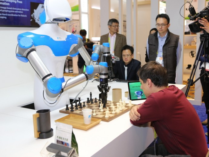 CES服務型機器人崛起 台灣新技術引起關注