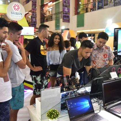 印尼峇里島購物中心體驗活動現場民眾踴躍參與