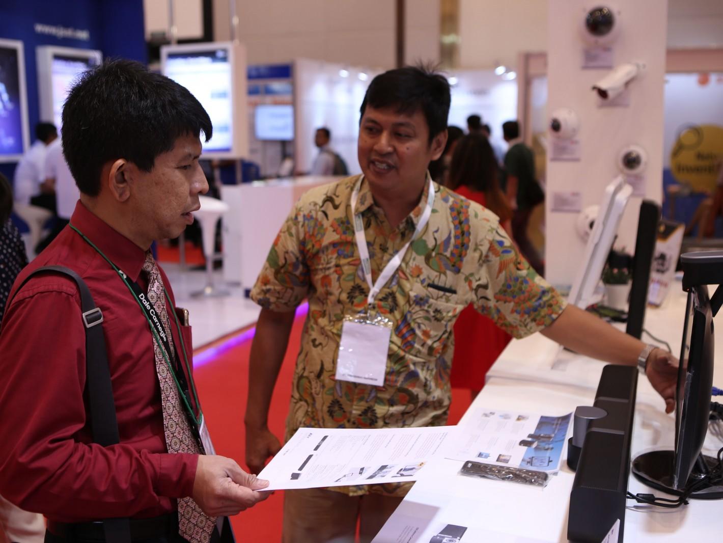 印尼買主對於圓展科技動態網路攝影機極感興趣