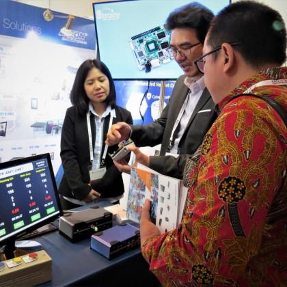 台灣精品廠商研揚(AAEON)向物聯網業者展演說明產品優勢