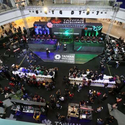 開賽首日吸引超過10萬名玩家共襄盛舉