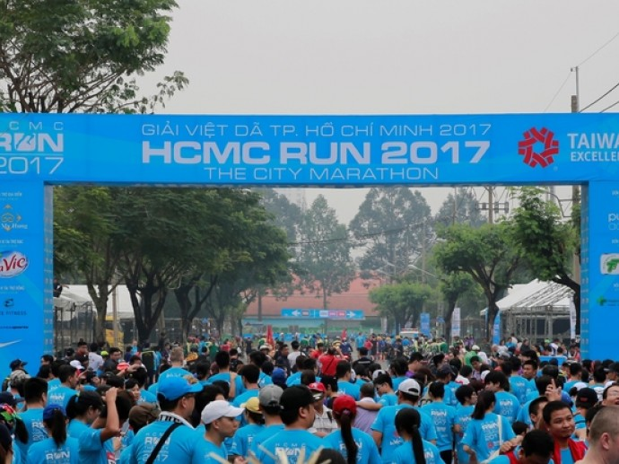 TAIWAN EXCELLENCE ACCOMPANIES HCMC RUN – THE CITY MARATHON 2017