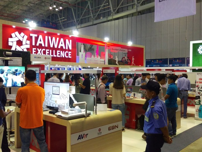 TAIWAN EXCELLENCE SHOWCASED VARIOUS INNOVATIVE TECHNOLOGIES AT VIETNAM ICT COMM 2018